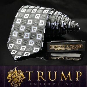 DONALD J. TRUMP~ SIGNATURE COLLECTION Checkered